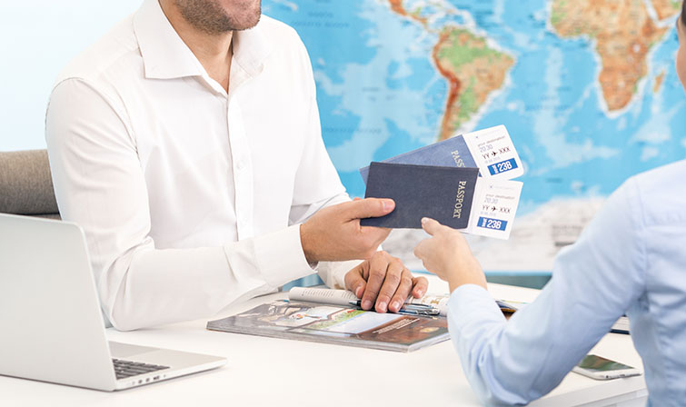 Purchasing airplane tickets for a tourist trip